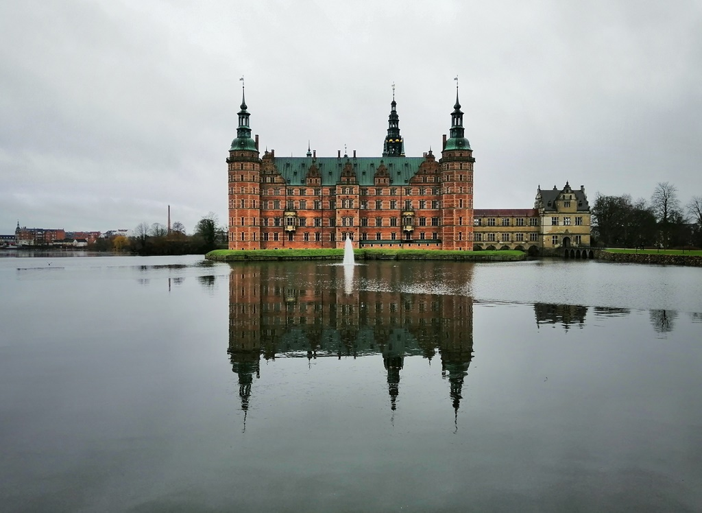 Frederiksborg Slot da fuori