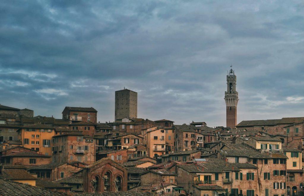 Panorama al tramonto di Siena